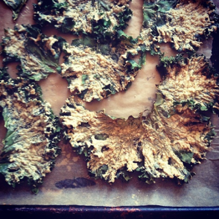 Super Cheesy Kale Chips (dairy-free)